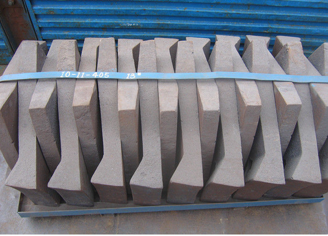 Cr-Mo Alloy Steel Liner Plates High Abrasion Performance Applied in φ3.8M Cement Mill